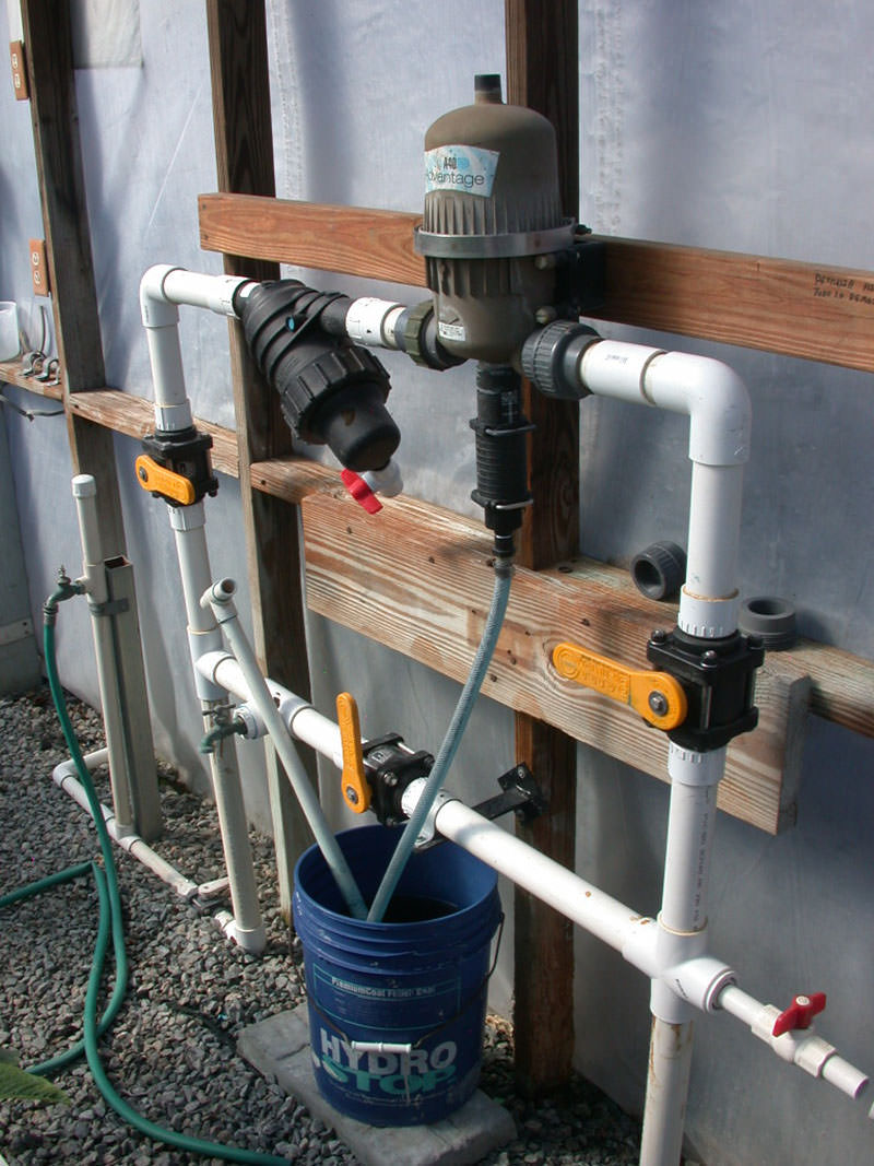 Fertilizer injector set with plumbing (County Farm)